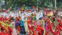 2019 Warga Menari Ahoii Bersama Tunjukkan Medan Lebih Indonesia