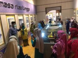 89 Guru Kecamatan Nongsa Kunjungi Musuem Batam Raja Ali Haji