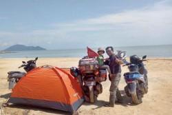 Ayah - Anak Balita yang Bersepeda Motor ke Arab Saudi Pulang ke Jambi