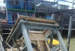 Baru Dibangun, Pos Jaga Pelabuhan Perikanan Selatpanjang Ambruk