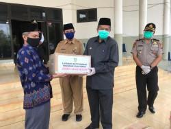 Baznas Kabupaten Siak Serahkan Bantuan APD Untuk Tenaga Medis.