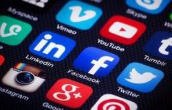 Berlebihan Gunakan Media Sosial Bisa Picu Depresi