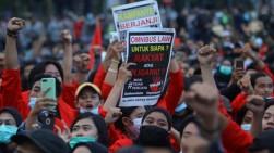 Bertemu Presiden Jokowi, Muhammadiyah Minta Penerapan UU Cipta Kerja Ditunda