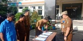 Camat Tampan Pimpin Penandatanganan Pakta Integritas ASN dan THL
