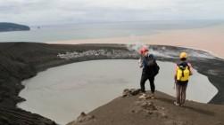Dekati Kawah, 2 WNA Langgar Batas Aman Gunung Anak Krakatau