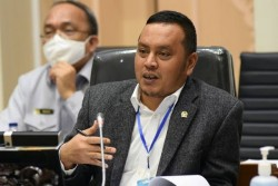 DPR RI Kecam Rektor Unilak dan UBL Pecat Mahasiswa Karena Demo