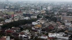 FOTO Suasana Kepadatan Penduduk Kota Metropolitan Terbesar Ketiga di Indonesia