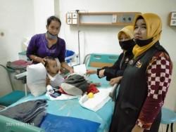 FPKB Serahkan Bantuan Kepada Kenzi, Anak Penderita Kelenjer Getah Bening