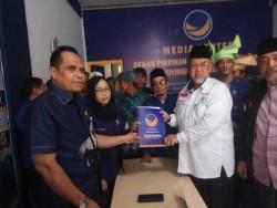 Huzrin Hood Ambil Formulir Pendaftaran ke DPW Nasdem