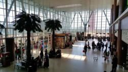 Indef: Biaya Bagasi dan Mahalnya Tiket Pesawat Menurunkan Jumlah Wisatawan