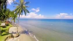 Ini Pantai Mempesona di Sulbar