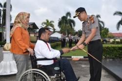 Kapolres Kampar Berikan Penghargaan Kepada Anggota Berprestasi dan Berdedikasi