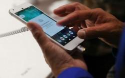 Kebanyakan Pakai Smartphone, Otak Jadi Malas Berpikir?