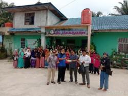 Keluarga Besar Piliang Bersatu Wilayah Riau Bagikan Masker ke Panti Asuhan