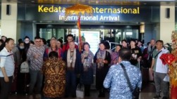 Khawatir Dampak Corona, Wisatawan China Batal ke Istana Tanah Datar