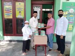 Komunitas Riau Mengaji Gandeng KUA Tambang Salurkan Ribuan Al Quran di Kecamatan Tambang