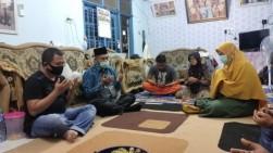 Kunjungi Keluarga Korban Sriwijaya Air SJ182, Hamdani Sampaikan Rasa Duka dan Beri Santunan