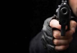 Lagi Sarapan, Wartawan Ditembak Mati
