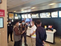 McDonald's di Jalan Sudirman Pekanbaru Ditutup Satgas Covid-19