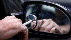 Merokok Dalam Mobil Sambil Bawa Anak, Siap-Siap Kena Denda Rp140 Juta