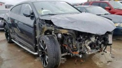 Mobil Bekas Kecelakaan Tanpa Roda Ini Dijual Rp 1,6 M