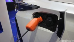 Mobil Bensin Dapat Disulap Jadi Mobil Listrik di AS