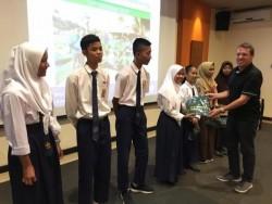 Pelajar SMP Bintan Belajar Masak di Banyan Tree Lagoi dengan Chef Internasional