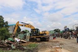 Penertiban Ratusan Rumah Liar di Sepanjang Garuda Sakti ke Jembatan Siak II Sudah 70 Persen