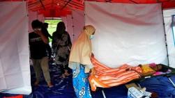 Pengungsi Gempa Mamuju Keluhkan Kesulitan Mendapatkan Air Bersih