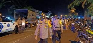 Pimpin Patroli Gabungan Berskala Besar Pada Malam Tahun Baru, Kapolres Kampar Bubarkan Kerumunan