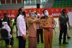 Presiden Jokowi Tinjau Pelaksanaan Vaksinasi Covid-19 di Kota Pekanbaru