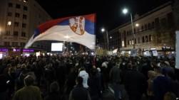 Ribuan Orang Turun ke Jalan, Kepung TV Pemerintah