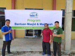 Rumah Yatim Berikan Bantuan Kelanjutan Pembangunan Masjid Raudhatul Jannah Pekanbaru