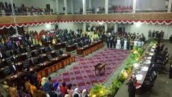 Sempat Molor, Lis Darmansyah Buka Paripurna Pelantikan Pimpinan DPRD Kepri Definitif