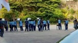 Siswa-Siswi SMK di Batam Diajarkan Menembak Pakai Senjata