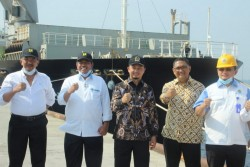 Syahrul Aidi Kunker ke Kawasan Tanjung Buton, Terima Aspirasi Pemkab Siak