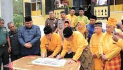 Wagubri Edy Natar Nasution Resmikan Bagas Godang diRohul.